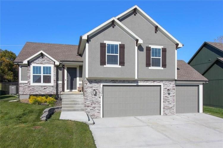 14208 Amanda Lane, Basehor, KS 66007