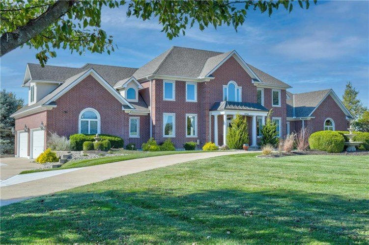 9722 Windsor Drive, Lee's Summit, MO 64086