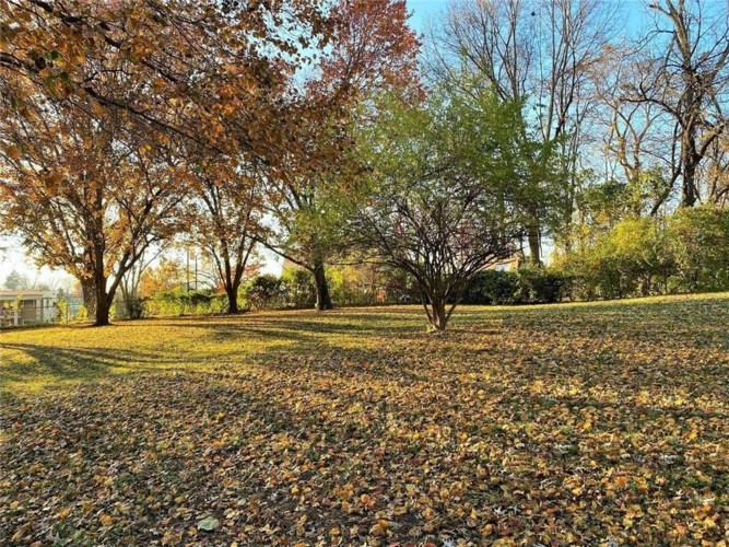 61/62B Emerald Shore Lane, Lake Tapawingo, MO 64015
