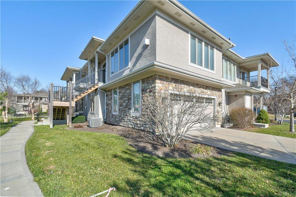 6007 W 102nd Terrace , Overland Park, KS 66207