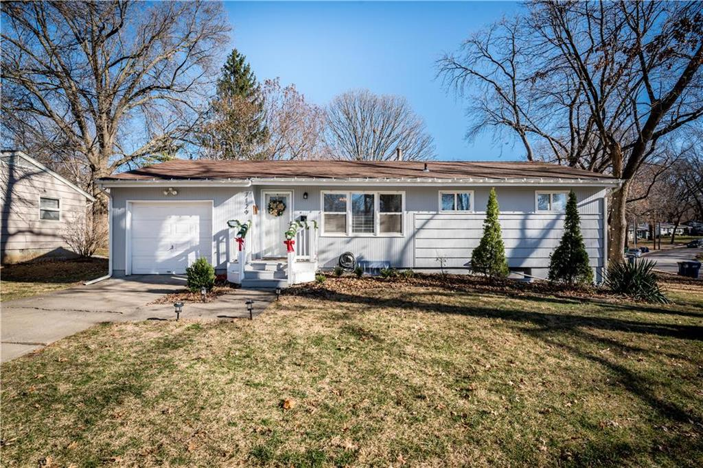 7129 Lowell Avenue , Overland Park, KS 66204