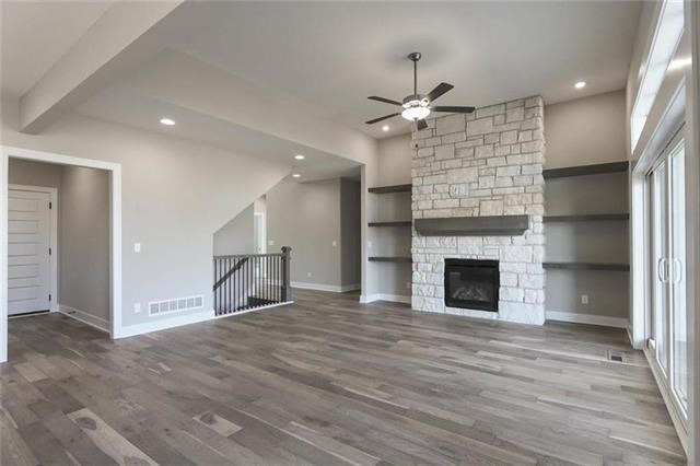 1823 Red Orchard Drive, Liberty, MO 64068