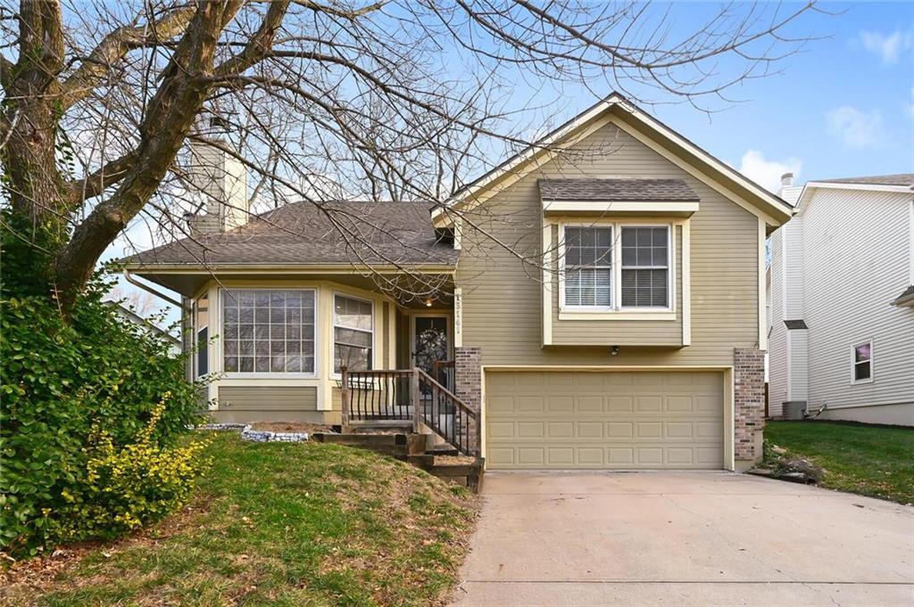 13141 S Fox Ridge Drive , Olathe, KS 66062