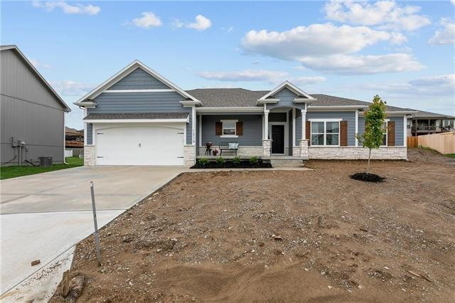 1313 NW Hickorywood Court, Grain Valley, MO 64029