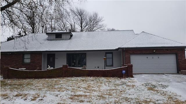 925 S Alexander Road, Independence, MO 64056