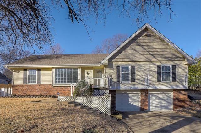 10532 Walnut Drive , Kansas City, MO 64114