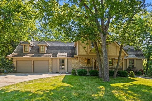 15511 Overbrook Lane , Overland Park, KS 66224