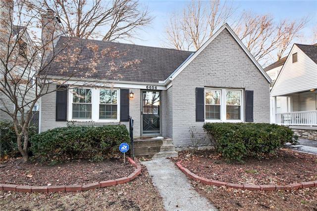 6656 Kenwood Street , Kansas City, MO 64131