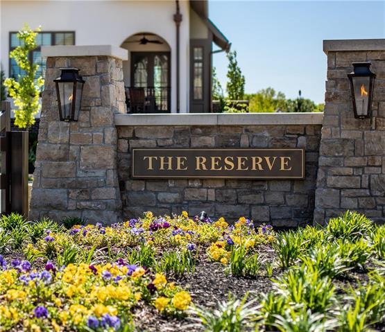 9305 Linden Reserve Drive , Prairie Village, KS 66207
