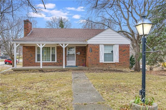 9925 E 35th Street, Independence, MO 64052