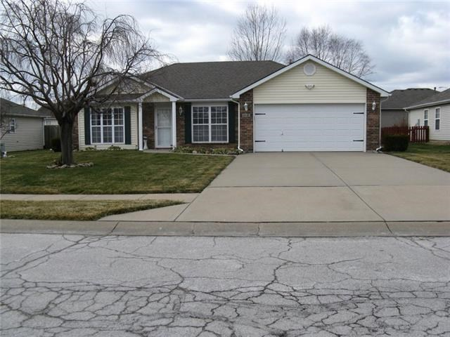 806 Clancy Court, Raymore, MO 64083