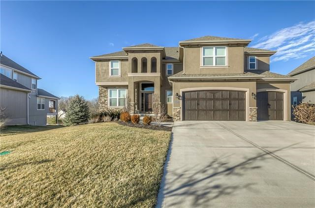 10408 W 170th Place, Overland Park, KS 66221