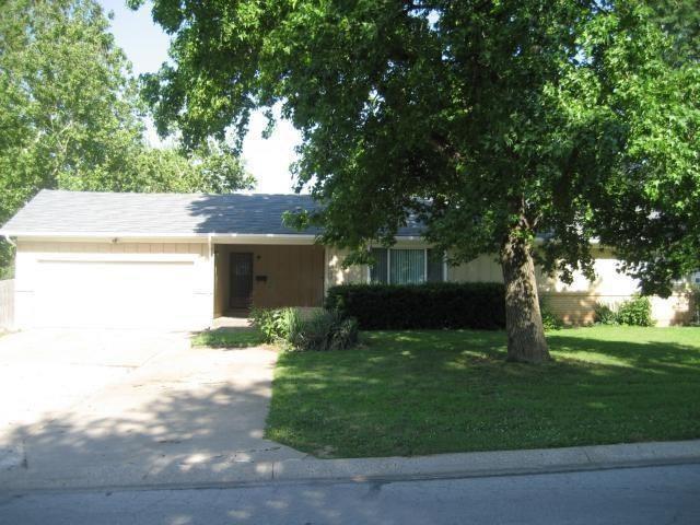 12621 JACKSON Avenue, Grandview, MO 64030