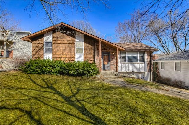 6300 NW 48th Street, Parkville, MO 64151
