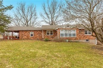 27001 State Route 92 Highway, Excelsior Springs, MO 64024