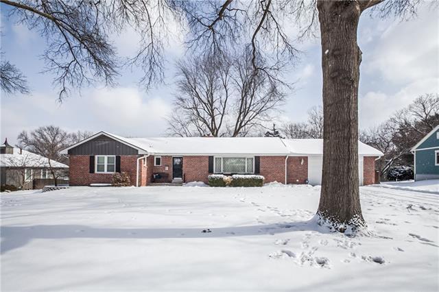 8001 BEVERLY Drive , Prairie Village, KS 66208