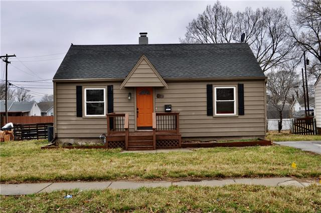 637 S Chestnut Street , Olathe, KS 66061