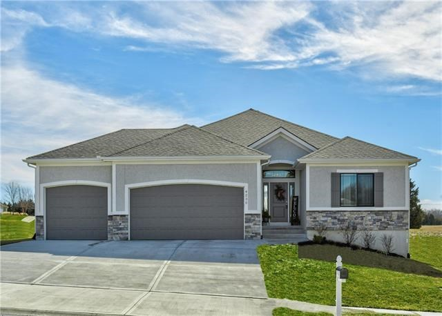 4230 S Stone Canyon Drive, Blue Springs, MO 64015