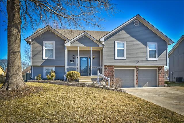 617 SE Cumberland Drive , Lee's Summit, MO 64063