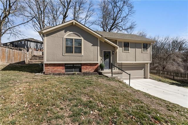 9202 NW 59th Terrace, Parkville, MO 64152