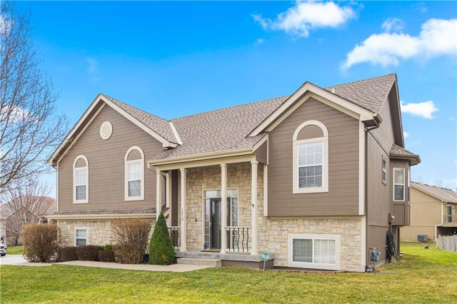 1513 Johnston Drive , Raymore, MO 64083