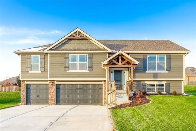 1703 Willow Lane, Kearney, MO 64060