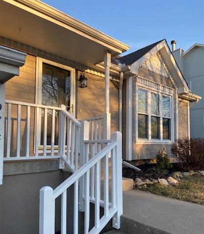 9741 N Ash Avenue , Kansas City, MO 64157