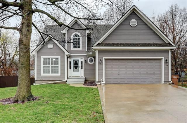 706 Canter Street , Raymore, MO 64083