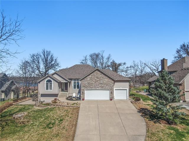 9810 NW 75th Street , Weatherby Lake, MO 64152