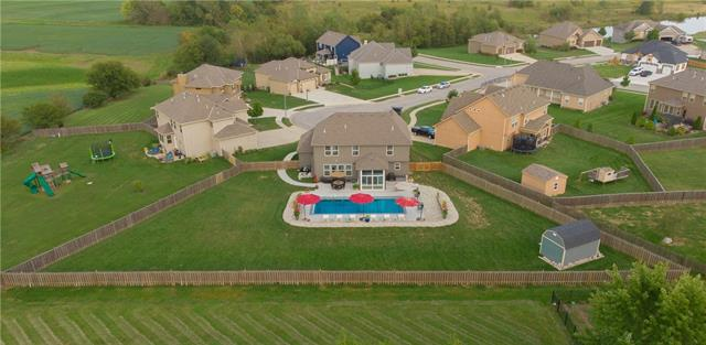 507 Lasley Branch Court , Raymore, MO 64083
