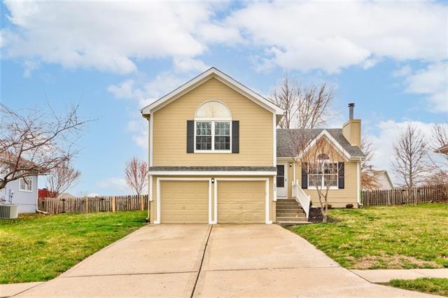 552 White Oak Lane , Liberty, MO 64068