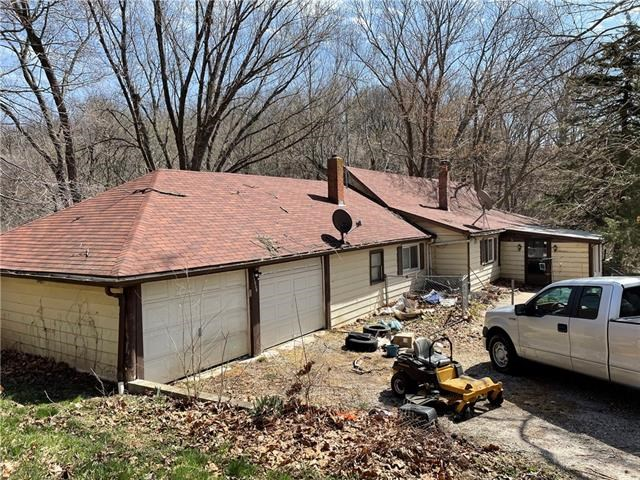 18850 NW Mainliner Road, Parkville, MO 64152