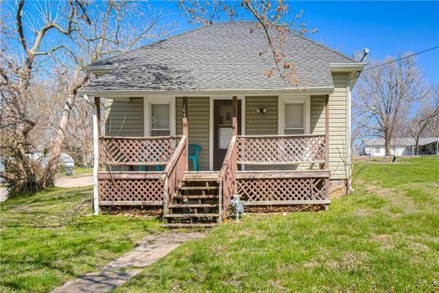 1040 walnut Street, Osawatomie, KS 66064