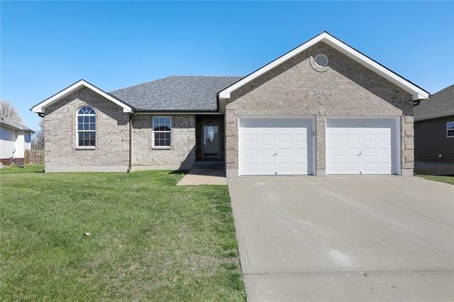956 Moore Place, Odessa, MO 64076