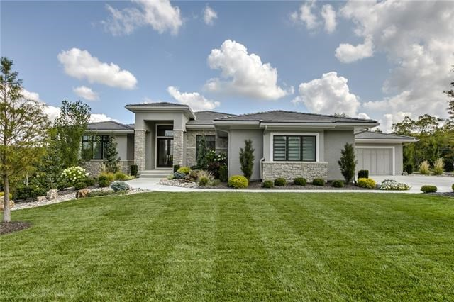 10237 S Oak Manor Drive, Olathe, KS 66061