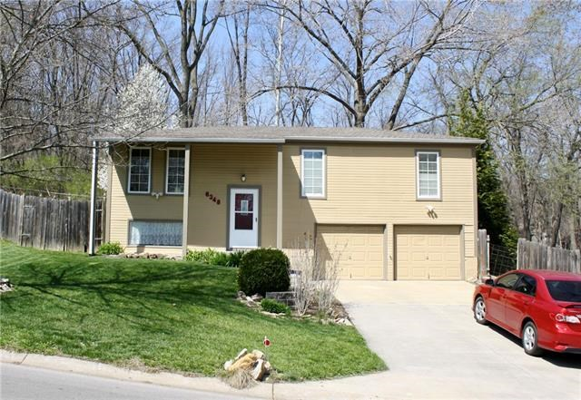 6348 NW 49th Street, Parkville, MO 64152