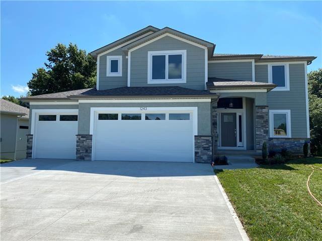 1240 Estates Drive, Warrensburg, MO 64093