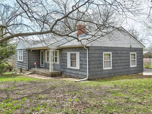 3906 S Sterling Street, Independence, MO 64052