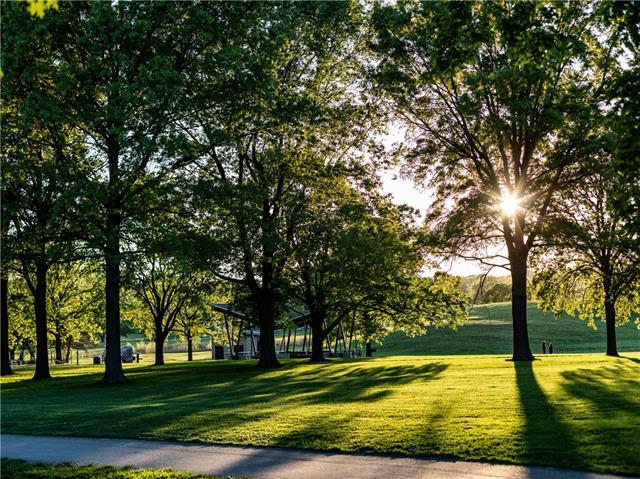 9344 Juniper Reserve Drive , Prairie Village, KS 66207