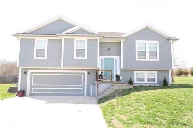 1701 Winding Creek Lane, Cameron, MO 64429