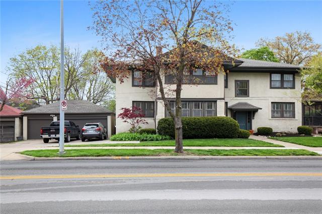 5111 Wornall Road , Kansas City, MO 64112