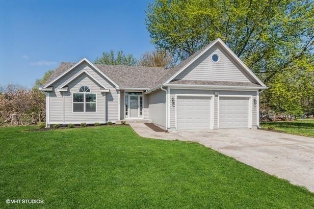 12970 S Lakeshore Drive, Olathe, KS 66061