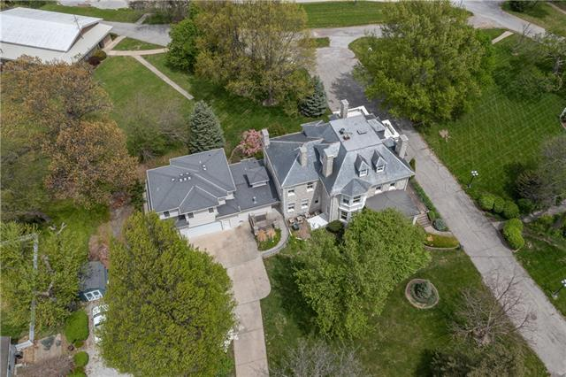 1 Hawthorne Place , Independence, MO 64052