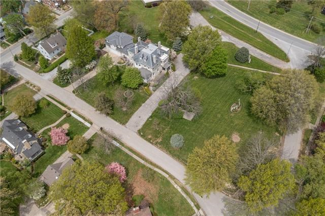 1 Hawthorne Place, Independence, MO 64052