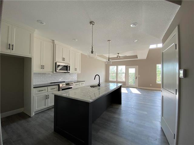 21843 W 123rd Terrace , Olathe, KS 66061