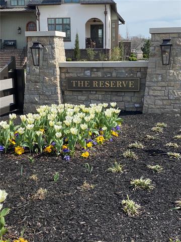 9329 Linden Reserve Drive , Prairie Village, KS 66207