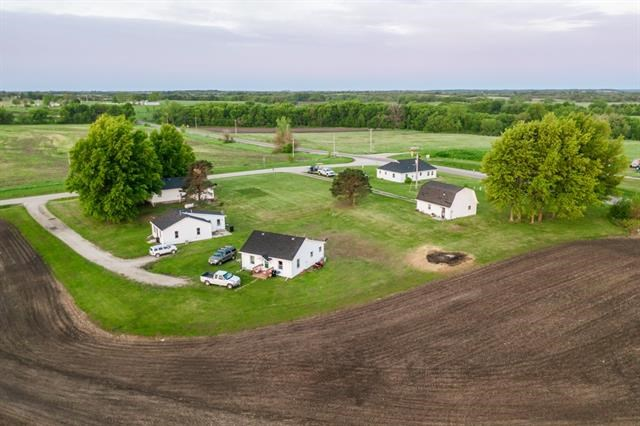 19004 DD State Highway, Pattonsburg, MO 64670