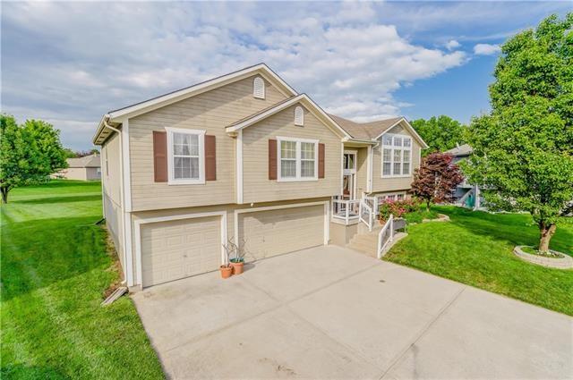 2104 Grant Circle, Greenwood, MO 64034