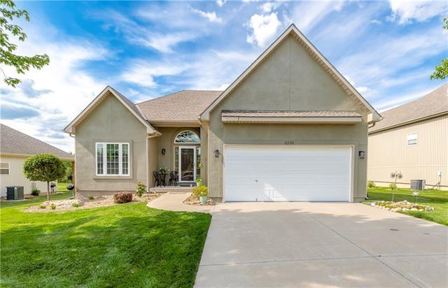 2210 Alexander Creek Drive, Raymore, MO 64083