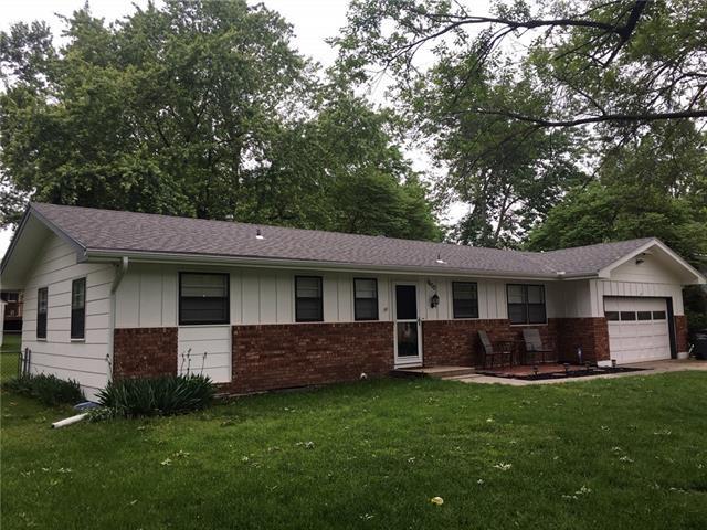1600 S KING Avenue, Harrisonville, MO 64701